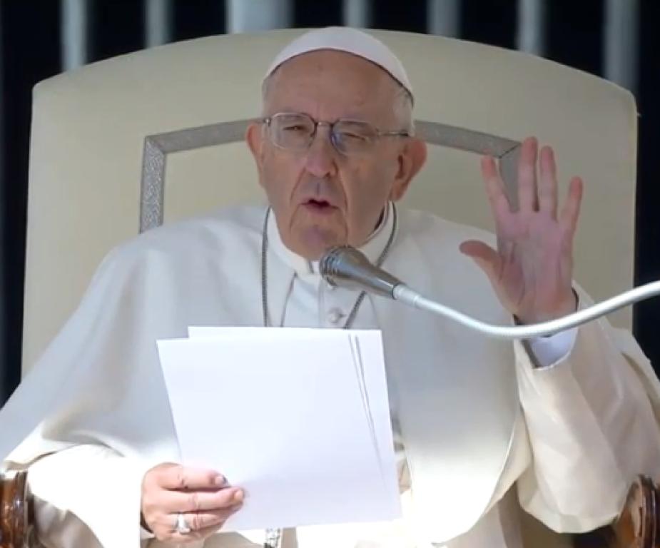 Pope 101018