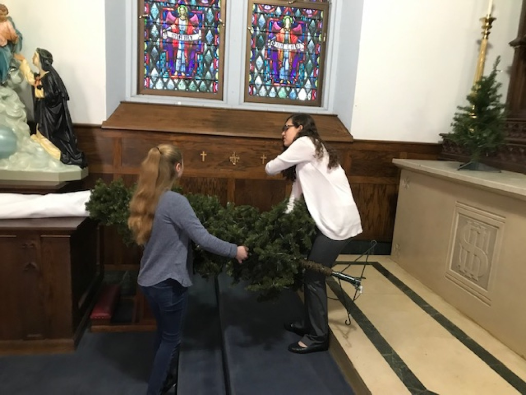 Thank you youth group for helping to decorate our Parish!