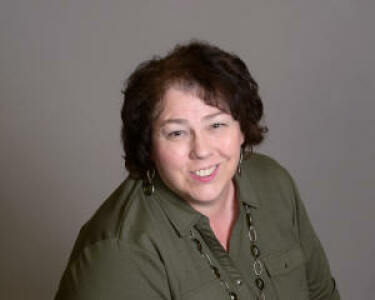 Photo of Teresa Neuman