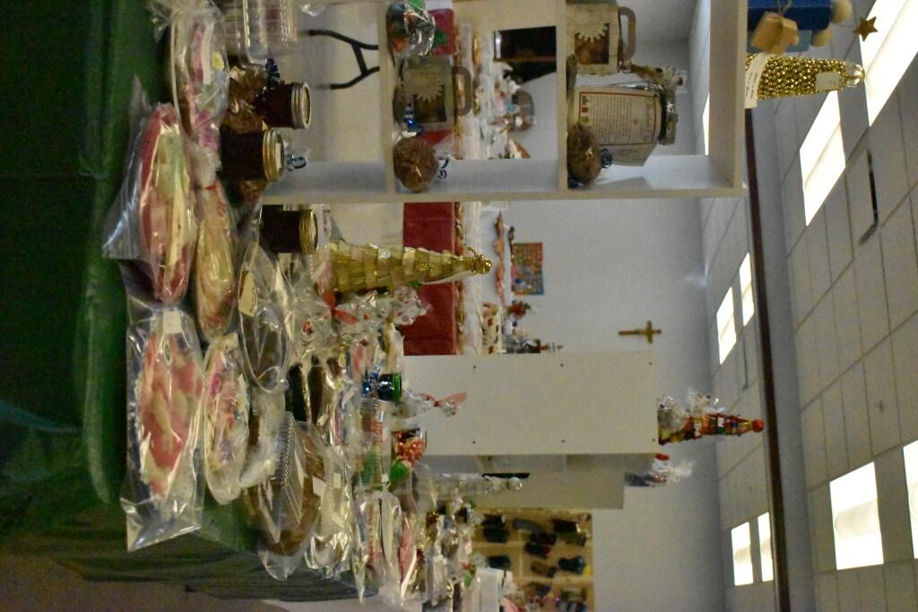 CW Christmas Bake Sale