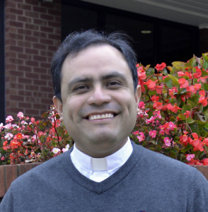 Photo of Father Jose Luis Guevara Gomez