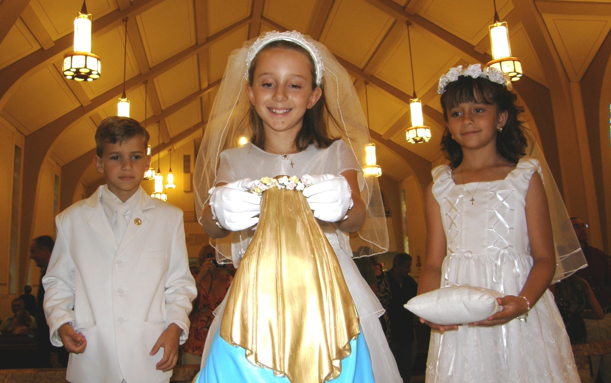 First Communicants at the May Crowning