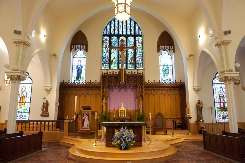 Altar Area 1215x809