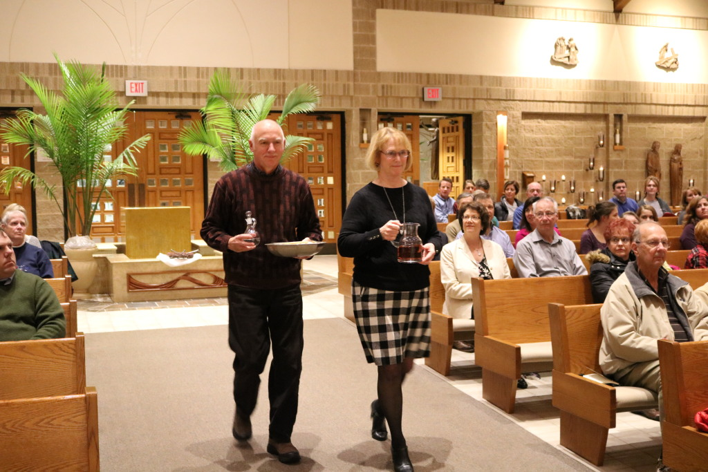 Offertory Gift Bearers at St. Anthony on the Lake