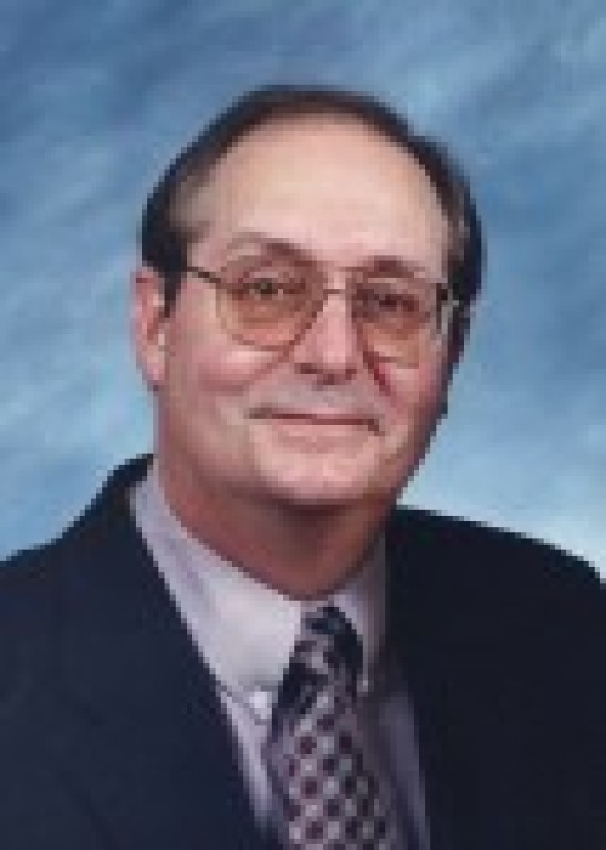Roger Kumle, 72, of Springfield, passed away at 9:55 a.m. on Sunday, August 26, 2018, at Memorial Medical Center.  Funeral Mass: 10:00 a.m. on Friday, August 31, 2018, at St. Joseph the Worker
