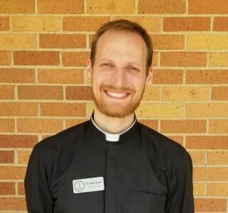 Photo of Fr. Robert Healey